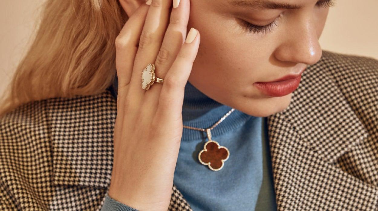 7f860d7ee Van Cleef & Arpels Jewelry | The RealReal