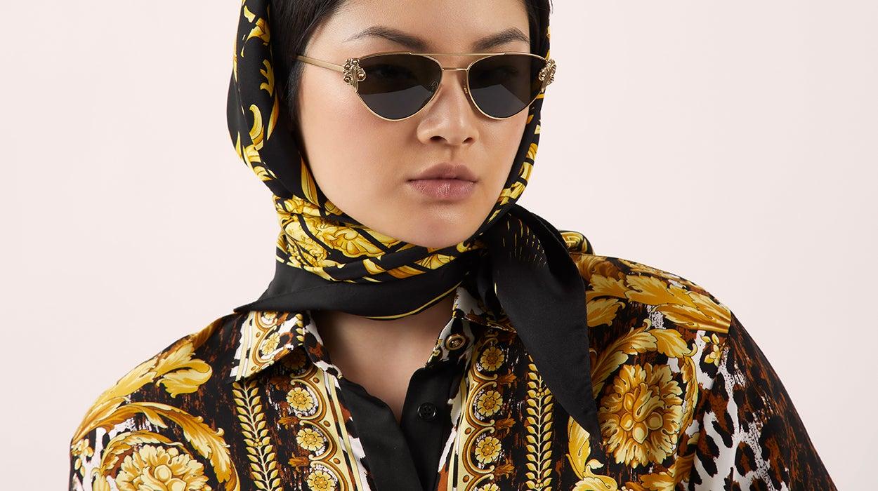 beab10405c2 Versace