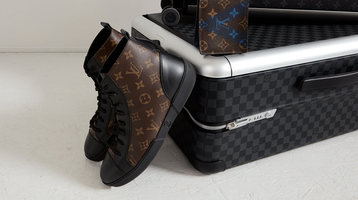 02b757fe12d Louis Vuitton Men | The RealReal